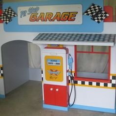 Awesome boys Garage playhouse loft bed by KidSpace Playrooms! oh heck yeah my boys are going to be spoiled! Bedroom Themes, Kids Bedroom, Car Bedroom Ideas For Boys, Playhouse Loft Bed, Loft Playroom, Loft Beds, Playroom Ideas, Bunk Bed, Car Themed Rooms