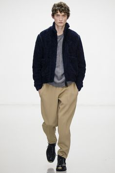 See the complete Lou Dalton Fall 2016 Menswear collection.