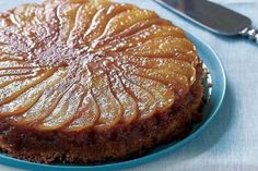 Caramelized Pear Upside-Down Cake Recipe (Fine Cooking) This cake is delicious warm or at room temperature. Pear Recipes, Sweet Recipes, Cake Recipes, Pear Dessert Recipes, Cupcakes, Cupcake Cakes, Cake Cookies, Pear Upside Down Cake, Mousse Au Chocolat Torte