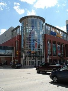 Manitoba MTS Centre ~ Home of the Winnipeg Jets Sports Stadium, Canadian Girls, Canada Travel, Oh The Places You'll Go, Nhl, Travel Photos, Beautiful Places, National Parks, Street View