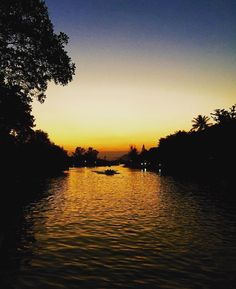 Sun setting in Barra da Tijuca  #LucalRio #Tijuca #RJ #RiodeJaneiro #Rio #Brazil #Brasil #Errejota #Lindo #Lights#View #Coast #Pordosol #Vacation #Picoftheday #Sun #Sky #Tropical #Cidademaravilhosa #Daylight #Beachlife #Sunrise #Naturalbeauty #Yus #Carioca #Party #Cariocas #View #Views #Nofilter  Source: @nerymontemor