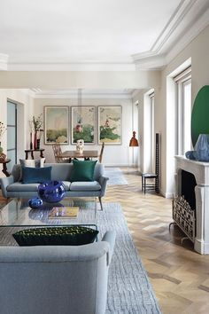 〚 Contemporary design and art breathed new life into this historic Madrid apartment 〛 ◾ Photos ◾ Ideas ◾ Design #interiordesign #Homedecor #decor #Ideas #inspiration #cozy #living #tips #style #space #livingroom #modern #classic