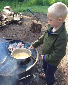 Sample meal plan and packing list for an allergy-friendly camping trip