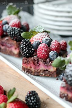 Berry Chocolate Streusel Bars