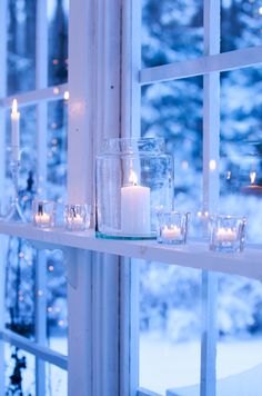 Blue Christmas, Winter Christmas, Christmas Home, Winter Home Decor, Winter House, Beautiful Home Gardens, Beautiful Homes, Candle Lanterns, Candels