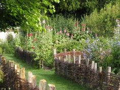 Coulommiers Medieval Garden Design1