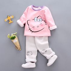 Girls clothing autumn winter cartoon rabbit & hello kitty children clothing casual tracksuits kids clothes girls - My favorite children's fashion list Baby Outfits, Girls Winter Outfits, Outfits Niños, Kids Outfits Girls, Outfit Winter, Kids Clothes Patterns, Baby Kids Clothes, Fashion Kids, Thermal Clothes