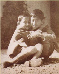 King Bhumipol Adulyadej (Rama IX) the great (L) was hug with him brother, King Ananda (Rama VIII) (R)