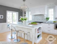 Top 10 Wall Paint Colors To Elevate Your Kitchen Space Kitchen Wall Colors, Kitchen Colour Schemes, Kitchen Paint, New Kitchen, Kitchen Decor, Kitchen Wood, Kitchen Ideas, Vintage Kitchen, Kitchen Photos