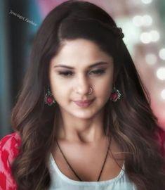 Bollywood Girls, Bollywood Actress, Girls Dp For Whatsapp, Kawaii Girl Drawings, Jennifer Winget Beyhadh, Queen Fashion, Simple Eye Makeup, Beautiful Indian Actress, India Beauty
