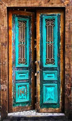 Wicked Most Beautiful Antique Farmhouse And Vintage Front Doors Ideas For Ho. Most Beautiful Antique Farmhouse And Vintage Front Doors Ideas For Home More Amazing good. Vintage Doors, Antique Doors, Vintage Windows, Farmhouse Front, Antique Farmhouse, Farmhouse Style, Antique House, Farmhouse Decor, Cool Doors