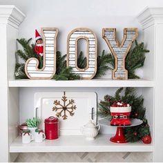 fun: Find the elf! Where are they hiding? Days Till Christmas, Little Christmas, Good Monday, The Elf, Santa Hat, Xmas Decorations, Christmas Wreaths, Christmas Ideas, Tis The Season