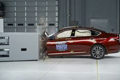 Hyundai Genesis earns top safety award
