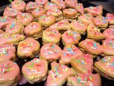 Citrónové cukroví s krémem Christmas Baking, Desserts, Food, Lemon, Tailgate Desserts, Deserts, Essen, Postres, Meals