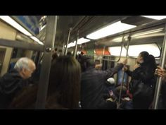 @Veronica Farias :/ ew, this is not something i look forward to:(   RAT on the New York subway!