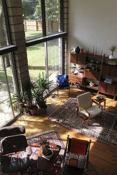 Oriental rugs + natural tones (scheduled via http://www.tailwindapp.com?utm_source=pinterest&utm_medium=twpin&utm_content=post1387167&utm_campaign=scheduler_attribution)