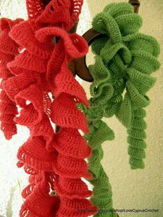 Ruffled scarf crochet this fun very ruffly scarf for warmth and image detail for crochet ruffle by lyubava crochet dt1010fo