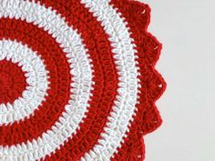My Rose Valley: Last minute Christmas mandala - free pattern
