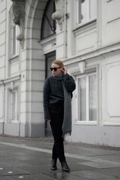 Layering Up Acne Virdis Knit Acne Scarf Bestseller.com Only Pants Acne Jensen Boots Minimal Street style Copenhagen Bykrog Danish Blogger Cecilie Krog Fashion.