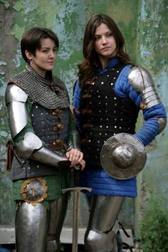 Sartorial Adventure — IronWoodsShop armor from Etsy Armadura Medieval, Female Armor, Female Knight, Medieval Armor, Medieval Fantasy, Fantasy Inspiration, Character Inspiration, Warrior Girl, Warrior Women