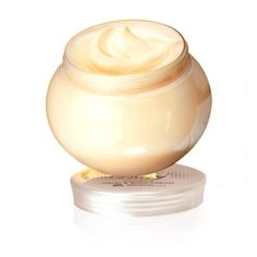 Milk Honey Gold Nourishing Hand Body Cream is an ultra-indulgent, nourishing cream infused with organically sourced extracts of milk and honey. Intensively nourishes hands and body to leave skin soft, supple, fragrant and hydrated all day. Oriflame Beauty Products, Vitamin E, Honey Shampoo, Aqua, Homemade Skin Care, Milk And Honey, Body Lotions, Body Scrub, Hand Scrub