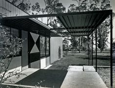 Case Study House by Eames and Saarinen, 1945.
