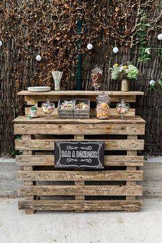 Comment fabriquer un bar en palette pour le jardin ? – Wood Designs How do I build a pallet bar for the garden? Bar Pallet, Bar En Palette, Pallet Projects, Diy Projects, Pallet Ideas, Deco Champetre, Wie Macht Man, Diy Bar, Pallets Garden