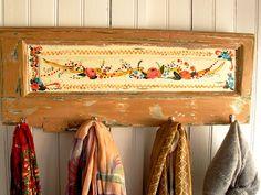 Las Vidalas: percheritos de 4 perchas..... Loft Bed, Decor, Furniture, Curtains, Valance Curtains, Bed, Painted Furniture, Home Decor