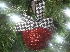 Houndstooth Christmas Ornaments Glitter by IHeartHoundstooth
