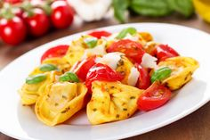 Ingredients:  1 pkg (9 oz) tricolor cheese tortellini 2 cups trimmed sugar snap peas 2 cups baby carrots 2 cups broccoli florets 2 Tbsp pesto 2 cup cherry tomatoes, halved 40 black olives, chopped …