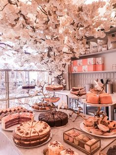 Coffee shops in London Bakery Decor, Bakery Cafe, Cafe Interior Design, Cafe Design, Coffee Shop Aesthetic, Pink Cafe, Deco Restaurant, Parisian Cafe, Cute Cafe