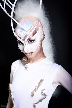 MAKE UP FOR EVER Academy 10 years celebration show - PROMO 3 - Humanoids - MUA : Sophie FAUQUET