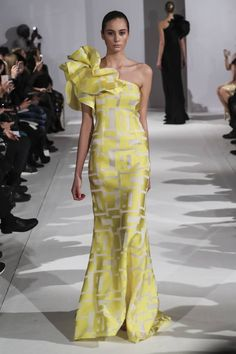 See all the Collection photos from Celia Kritharioti Spring/Summer 2017 Couture now on British Vogue Couture Fashion, Runway Fashion, Fashion Show, Couture Dresses, Fashion Dresses, Yellow Fashion, Beautiful Gowns, Elegant Dresses, African Fashion