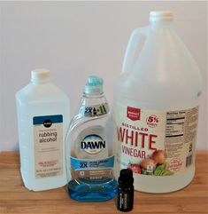 11 simple and quick cleaning tips for busy people who have no time to clean. Fast cleaning when you are in a rush. Tip #10 will save a LOAD OF TIME!