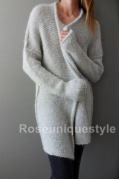 Alpaca chunky knit cardigan. Light grey  long sleeves