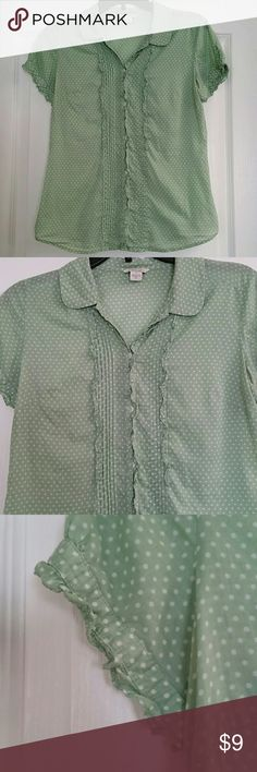 Short sleeve American Eagle Outfitters size 8 Lightweight button down shirt in great condition. Slight opening with a button on each sleeve. 100% cotton American Eagle Outfitters Tops Button Down Shirts