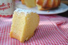 La Rosquilla de la Tia Laura: BIZCOCHO INGLÉS DE ALMENDRA (ALMOND TEA CAKE)