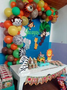 Jungle Theme Birthday, 2nd Birthday Party Themes, Baby First Birthday, Jungle Party Decorations, Birthday Balloon Decorations, Mickey 1st Birthdays, Safari Party, Ideas, Safari Birthday Cakes