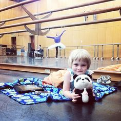 Photo: The iGeneration in the studio: Josephine supporting her mother Julie Kent in rehearsal… #a_dancers_life #studio #abt #tour #rehearsal - Daniil Simkin (Dawww, so cute!!!)