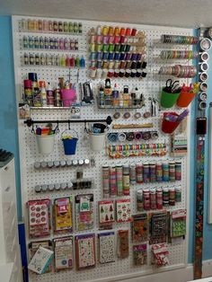 Be creative with Pegboard Storage - jihanshanum 51 ideas for the Pegboard Creative craft room organization Cricut Craft and Sewing Room Organization HacksFind out how you can save time and money with these incredible Cricut Pegboard Craft Room, Pegboard Display, Kitchen Pegboard, Sewing Room Organization, Craft Room Storage, Ikea Pegboard, Tool Storage, Painted Pegboard, Sewing Room Storage
