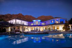 Vegas Incredible Luxury Mansion with Infinity Pool - Malibu Venues - Party, Wedding, Birthday, Dinner, Corporate, and more!