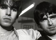 Liam Gallagher Oasis, Noel Gallagher, Liam And Noel, Just Believe, Britpop, Band Photos, Wonderwall, Great British, Cool Bands