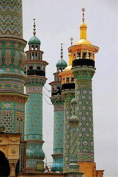 Fatima shrine minarets in Qom, Iran It's a beautiful world. Inspiration for The Gone Art Et Architecture, Islamic Architecture, Beautiful Architecture, Beautiful Buildings, Architecture Details, Morrocan Architecture, Beautiful World, Beautiful Places, Amazing Places