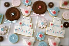 The bunting on the cake cookies is beautiful...