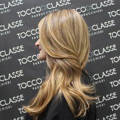 Sfumature che fanno la differenza. #viastendhal8 #viatoledo #napoli #Roma #Milano #milanofashionweek #fashionstyle #fashion #chic #bonton #degradè #vogue #blonde #lorealprofessionnel #picoftheday #nofilter #mod #waves #unforgettable  #beauty #followme #bloggerstyle #hairpassion #hairup #girl #instalike #instapic #instragram #info0815517387 #whatsApp3477030144