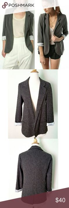 """Silence + Noise Boyfriend Blazer Heathered gray, opened blazer. Fully lined, two pockets, back slit. 16"""" shoulder to shoulder,  25"""" long shoulder to bottom hem. 53% rayon 44% polyester 3% spandex. Worn maybe twice, pockets are still stitched. The inside lining is a little torn in one tiny spot  (last pic) barely noticeable,  not broken. Urban Outfitters Jackets & Coats Blazers"""