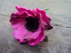 BIJOU BAGUE réglable et son ANEMONE fuchsia ACCESSOIRE MODE fleur artificielle