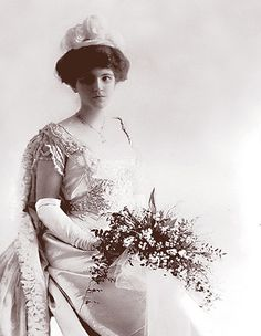 1900 Edwardian wedding dress.