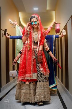 """Photo from Mutos studio """"Portfolio"""" album There are different rumors about the annals of the marriage dress; Indian Wedding Couple Photography, Indian Wedding Photos, Indian Bridal Outfits, Girl Photography Poses, Mehendi Photography, Creative Photography, Fashion Photography, Foto Fun, Wedding Dress"""