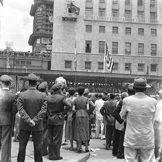 1954 - Comemoração, na região do Vale do Anhangabau, pelo IV Centenário da cidade de São Paulo.
